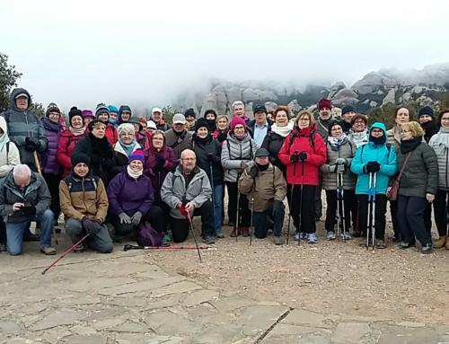"""La sortida """"A cent cap als 100"""" va visitar el parc natural de Montserrat"""