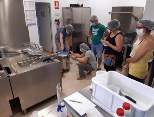 El Lluçanès acull amb èxit la segona edició del curs d'elaboració de formatges